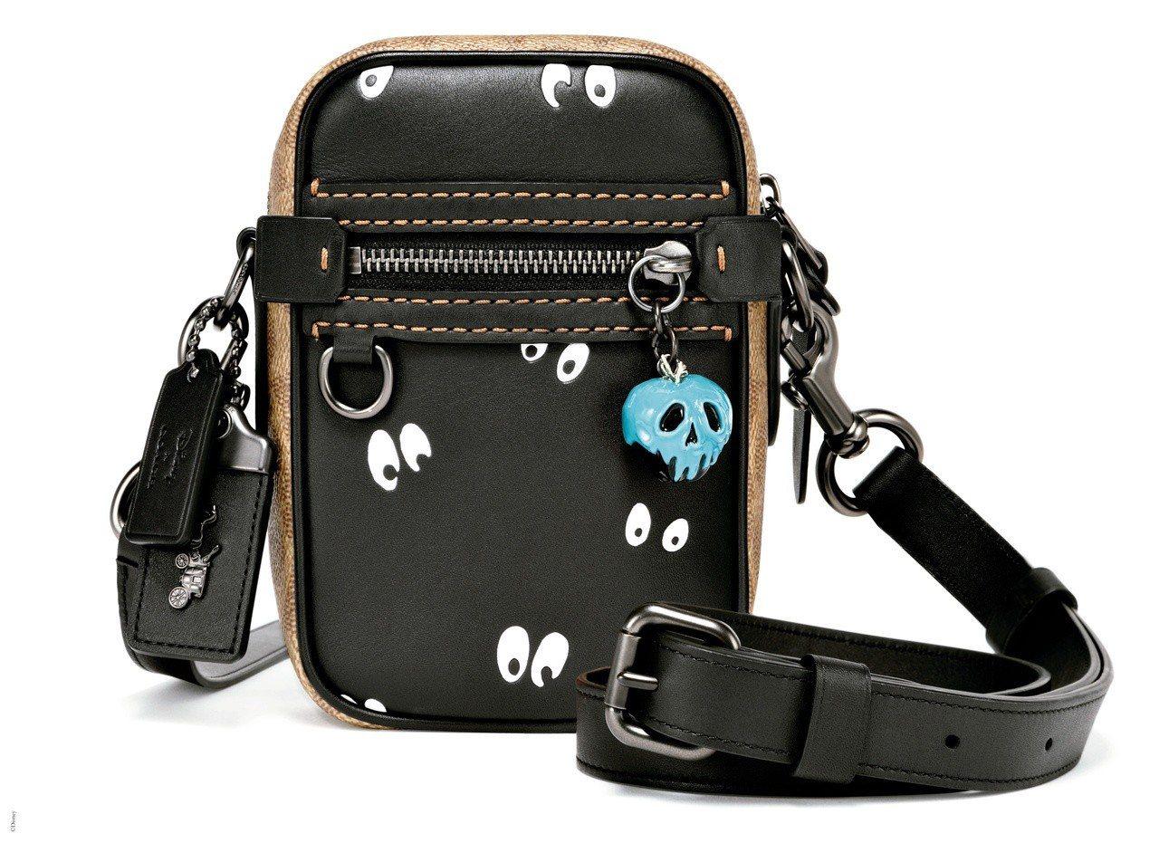男款Dylan側背包,售價14,800元。圖/COACH提供