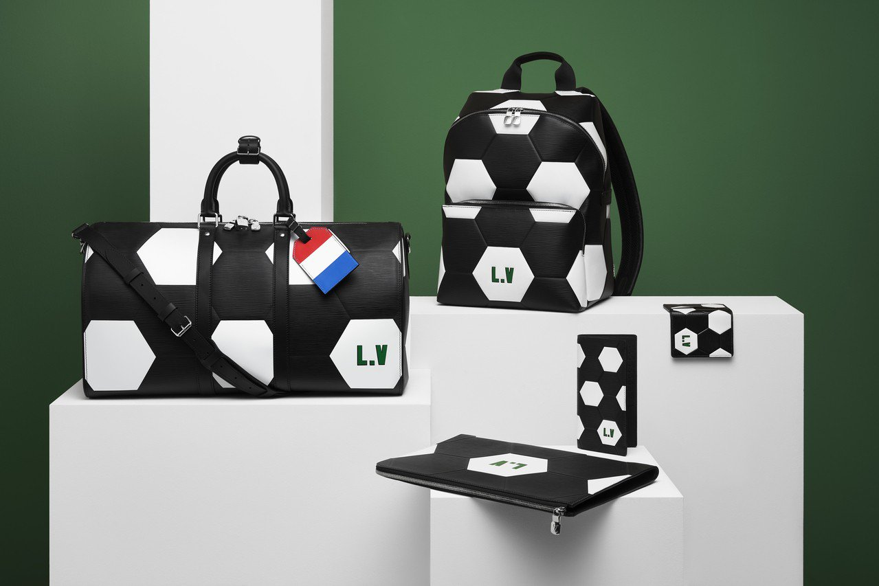 路易威登與國際足協共同推出2018年國際足協世界盃官方授權皮具系列。圖/LV提供