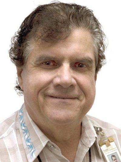 前南加大學生保健中心婦科醫師丁鐸(George Tyndall)。