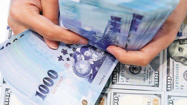 新台幣兌美元25日收盤收30.632元,升8.8分。 報系資料照