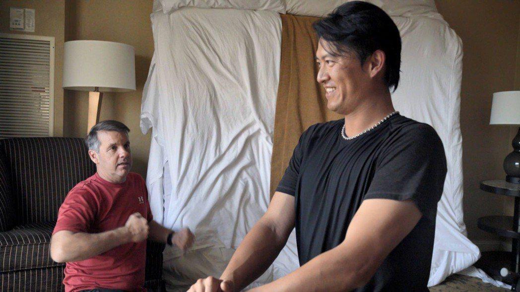 記錄旅美投手王建民力拚回大聯盟的紀錄片「後勁:王建民」日前在美首映,各界反應熱烈