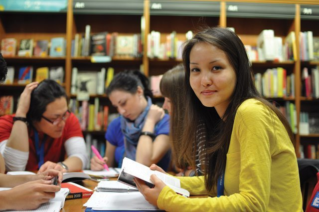 EF國際寄宿中學推行的IB課程,均衡發展學業成績、社團活動,以及獨立專題。 EF...