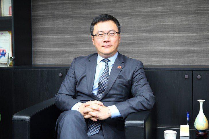 素有「科技律師」教父之稱的眾勤法律事務所所長楊明勳認為,或許有些人會利用新科技做...