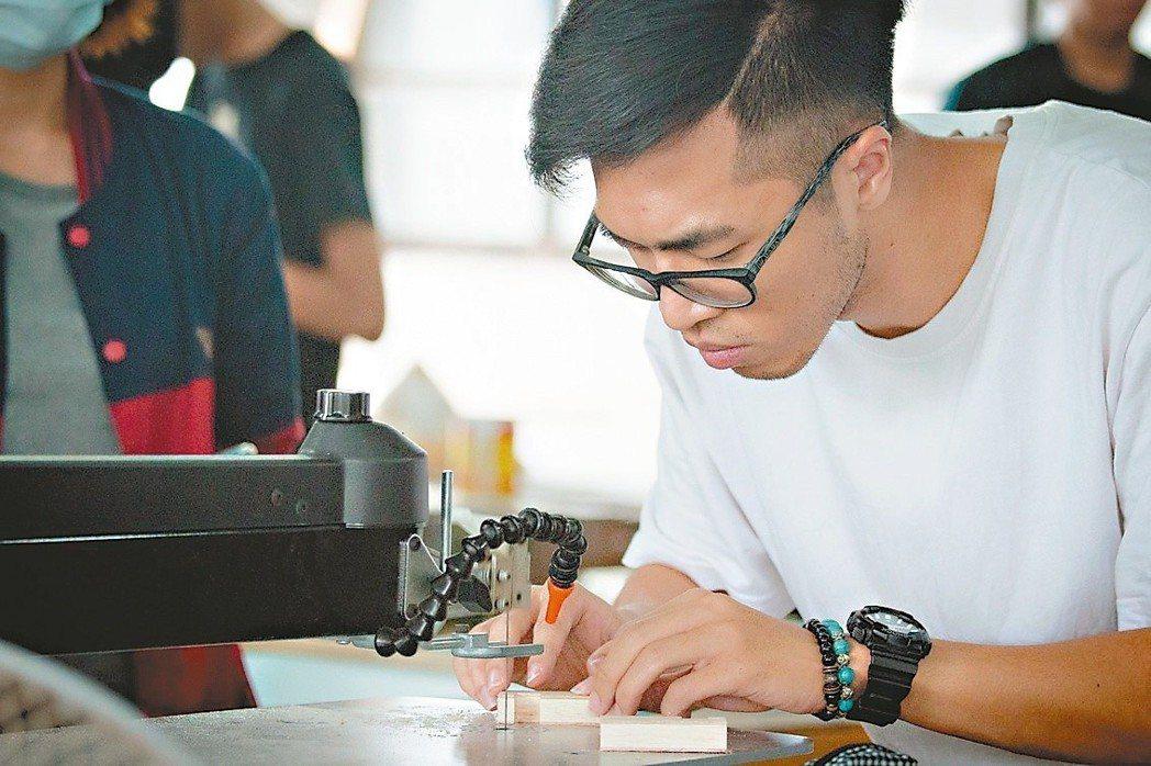 打造產業人才培育科技園區,保證就業。圖/雲科大提供