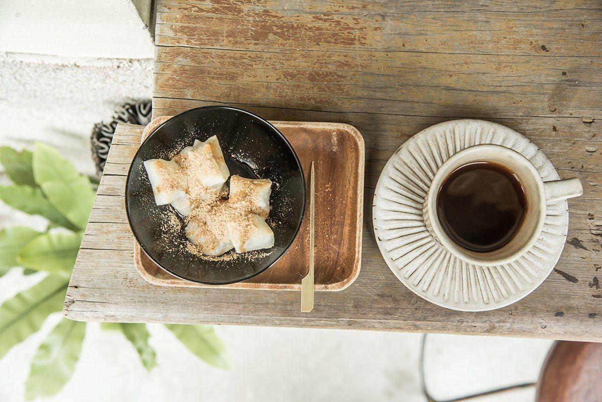 日式烤麻糬佐手沖單品咖啡無敵!