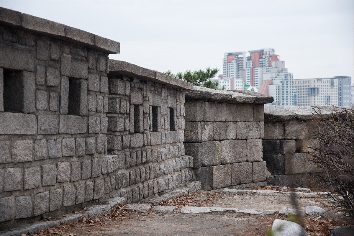 一座又一座的石牆,就是韓劇男女主角談戀愛的地方喔!