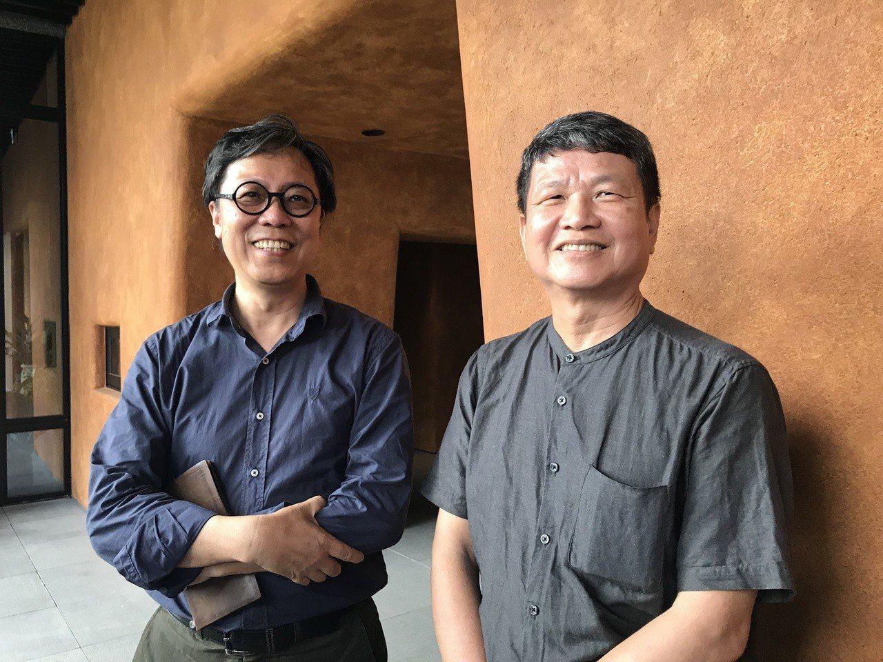半畝塘創辦人江文淵建築師(左)、與張偉哲,20年來堅持都市造山運動有成。記者李珣...