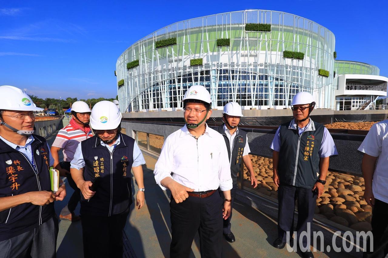 台中市長林佳龍昨日前往台中花博外埔園區視察。記者余采瀅/攝影