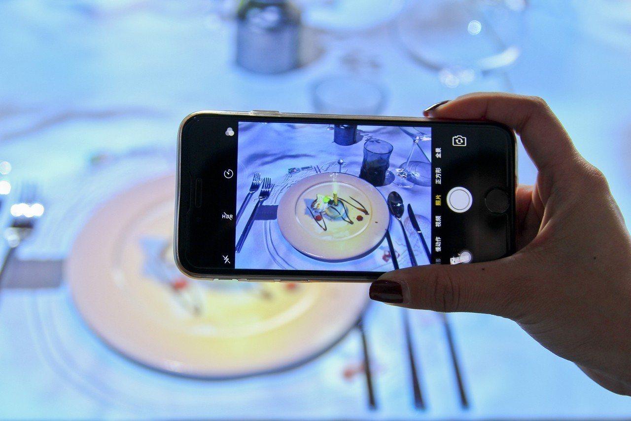 世界最小廚師做菜秀預計在6月中移師台南晶英酒店客座2個月。圖/台南晶英酒店提供