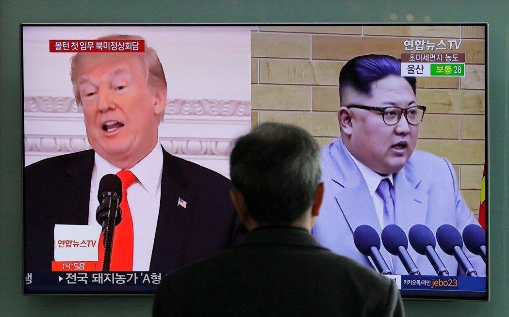韓聯社報導,南韓總統文在寅今天與美國總統川普通電話,討論北韓最近揚言取消預定下月...