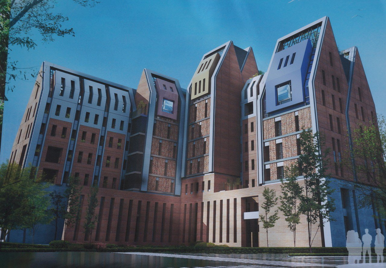 建築師戴育澤為台中育嬰院設計新建築,外牆要募集營建磁磚餘料,再設計拼貼而成。記者...