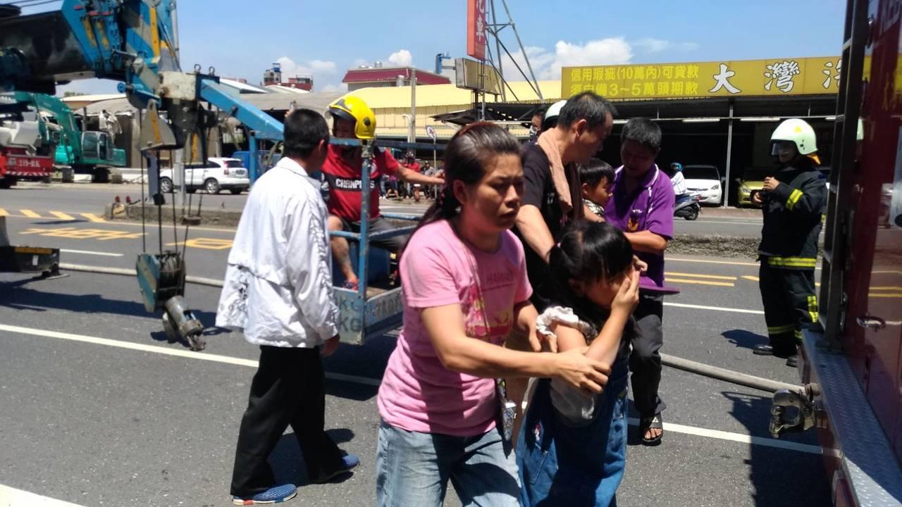 台南市幼兒園起火,老師幼童逃離飽受驚嚇。圖/翻攝畫面