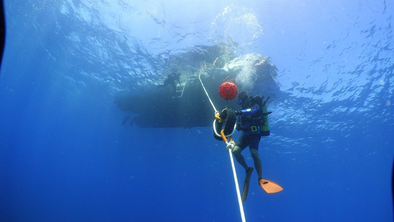 鵬管處到墾丁 「取經」後複製到小琉球,在3處潛點海域架設示範性繫錨浮球。記者潘欣...
