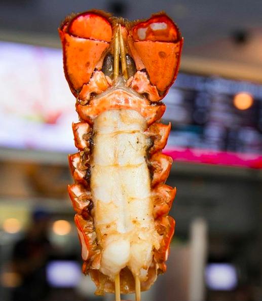 Cousins Maine Lobster鮮炸龍蝦尾。圖/摘自Cousins M...