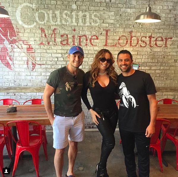 瑪麗亞凱莉前往Cousins Maine Lobster龍蝦堡餐廳。圖/摘自Co...