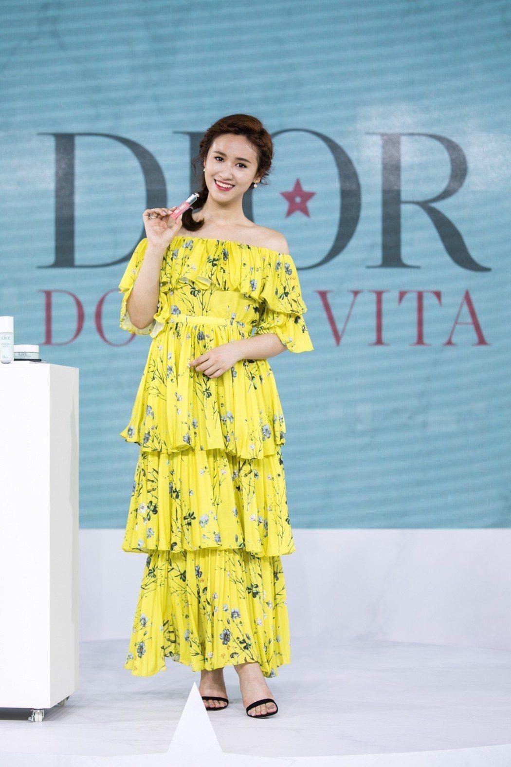 吳姍儒出席迪奧「DOLCE VITA我的羅馬假期」夏日派對,對迪奧彩妝、保養、香...