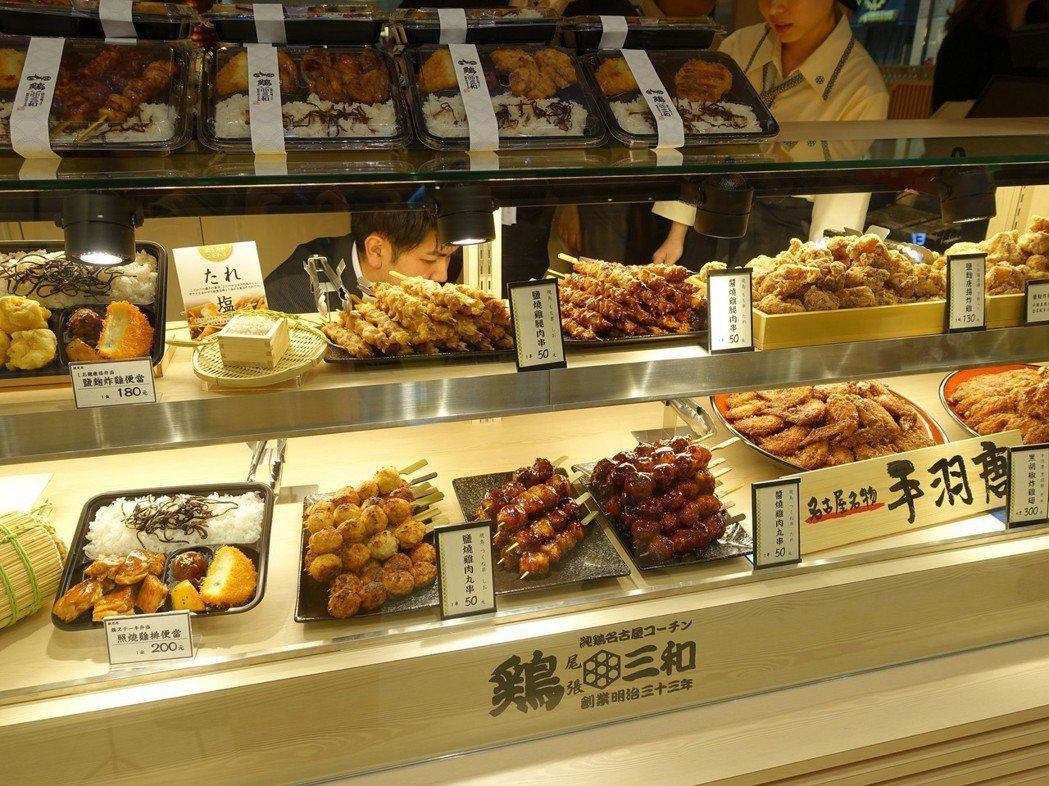 許多招牌餐點台灣也吃的到。記者張芳瑜/攝影