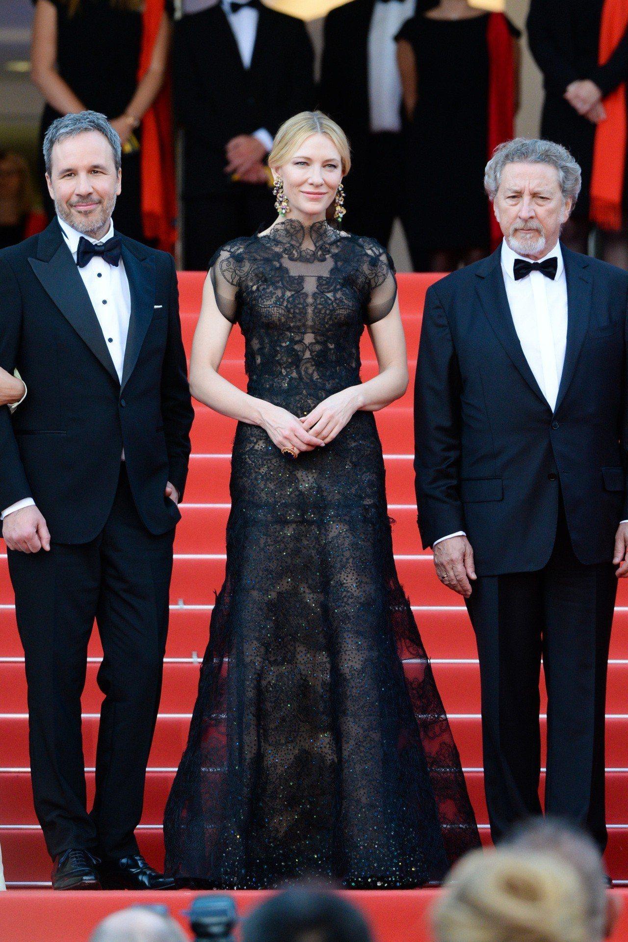 凱特布蘭琪回收Giorgio Armani Privé舊衣,優雅華麗更勝當年。圖...