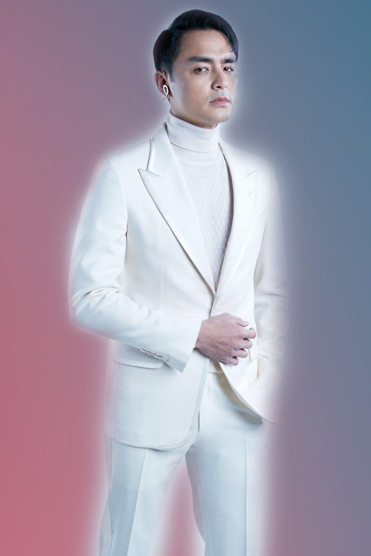 明道在砸下5000萬台幣的新片「PERFECT-LOVER.COM2036」中...