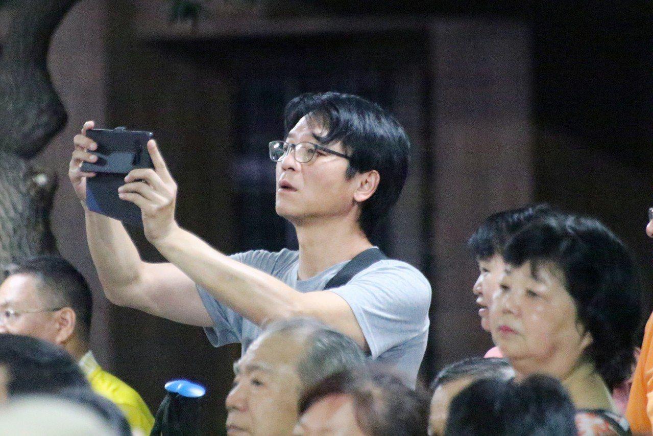 民進黨新北市參選人蘇貞昌今晚接連2場市政說明會,而蘇在擔任台北縣長時最得力的助手...