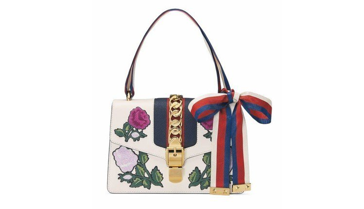 Sylvie花卉刺繡肩背包,11萬2,700元。圖/Gucci提供