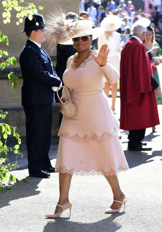 歐普拉身穿Stella McCartney出席皇室婚禮。圖/美聯社