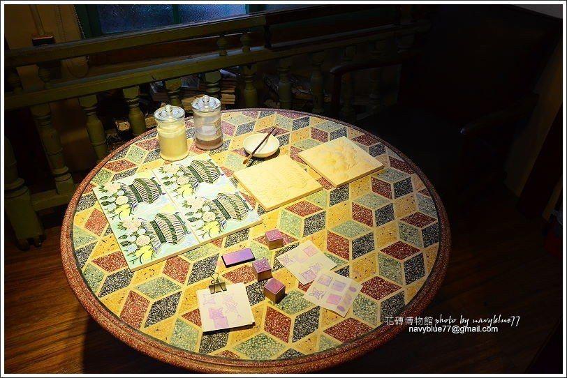 ↑二樓的DIY桌可蓋章、拓印。