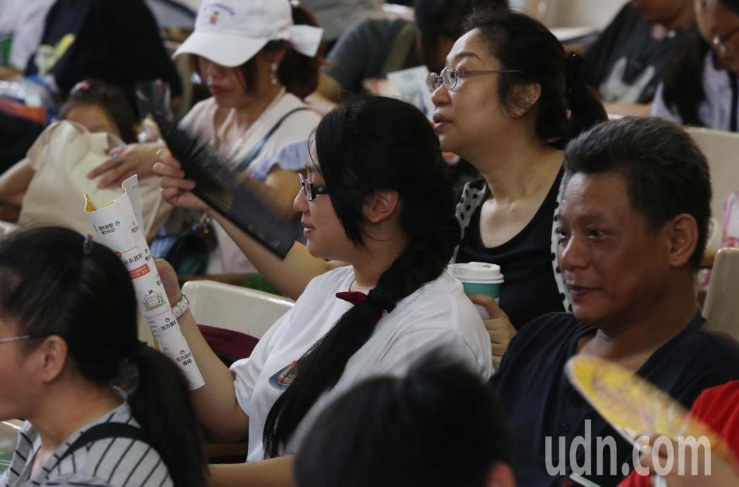 國中教育會考今天登場。記者林俊良/攝影