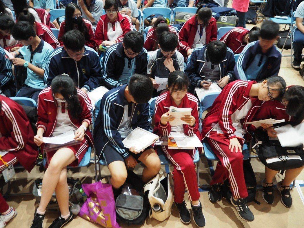 國中會考明天上午第一節考自然,去年該科拿A的考生比率最低。記者喻文玟/攝影