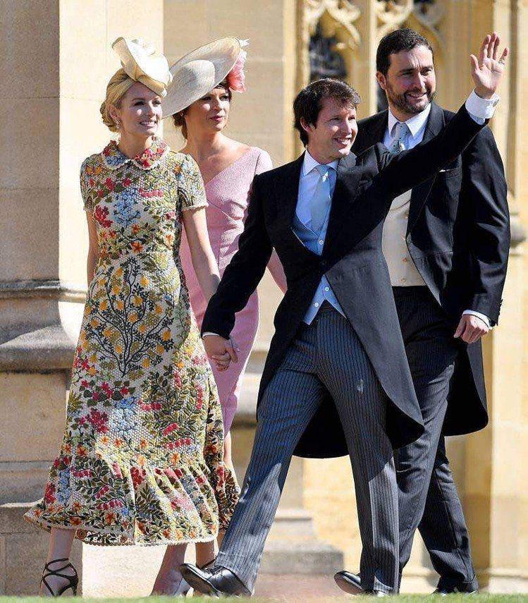 詹姆士布朗特的太太也以花卉裙裝出席哈利王子婚禮。圖/取自IG