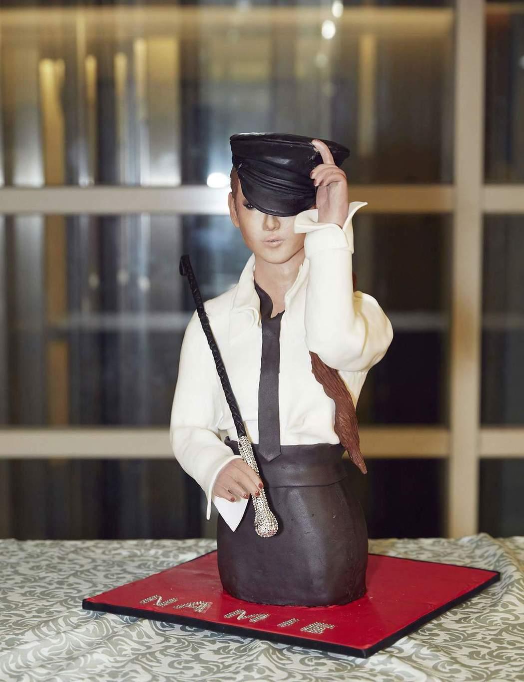 蔡依林製作的安室翻糖蛋糕。圖/摘自臉書