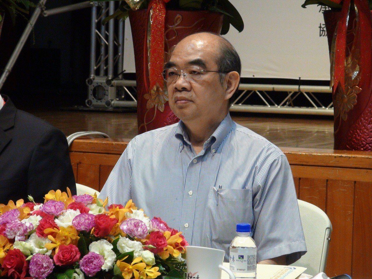教育部長吳茂昆今日親赴台中豐原啟闈。記者余采瀅/攝影
