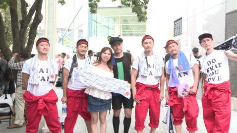 安室奈美惠一連兩天在台灣演出,吸引2.3萬名粉絲入場同歡。因為她封麥演出所有場次皆一票難求,也讓台北站出現「5大奇景」,包括周邊歌迷求票最多、場外旁聽人數最多、黃牛炒票最高、包廂開放最多和粉絲變裝人...
