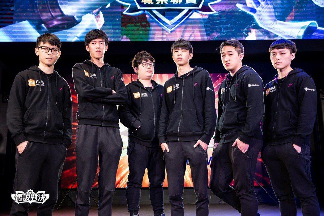 J Team隊伍成員。