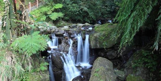 五峰旗瀑布 礁溪觀光旅遊網