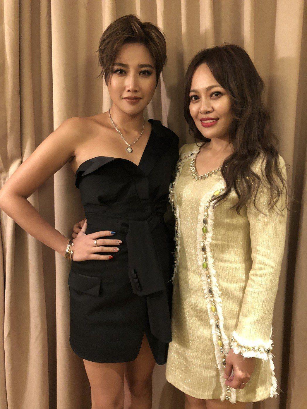 A-Lin和戴愛玲日前飛往廣州參加音樂頒獎典禮。圖/索尼唱片提供