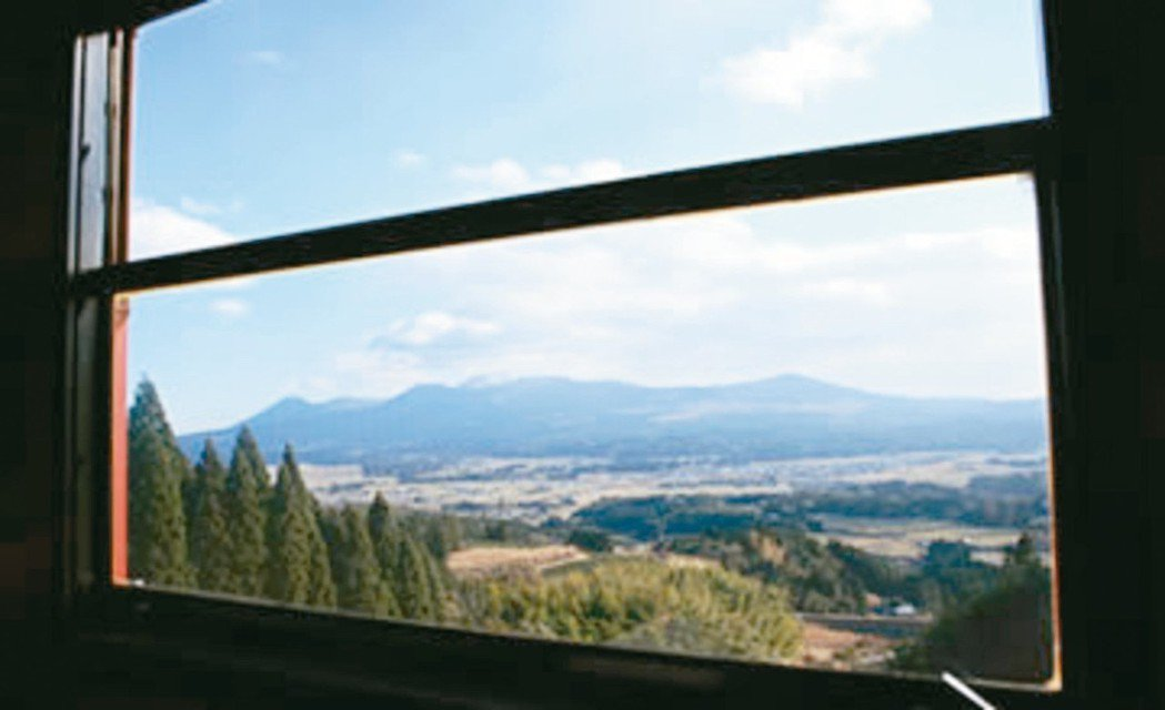 伊三郎/新平號擁有「日本三大車窗風景」。 圖/摘自JR九州官網