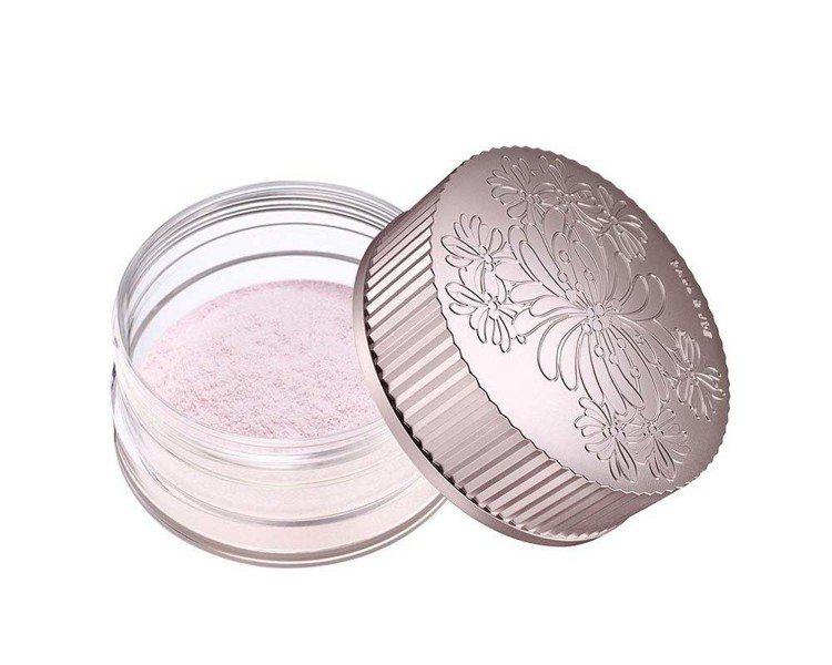 PAUL & JOE糖瓷校色珍珠蜜粉,1,600元。圖/PAUL & JOE提供