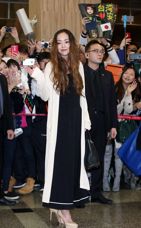 安室奈美惠2016年來台也背Bolide包。圖/記者陳瑞源攝影