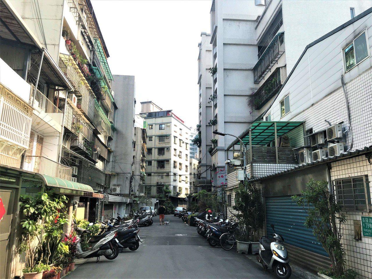 信義區街景 記者游智文/攝影