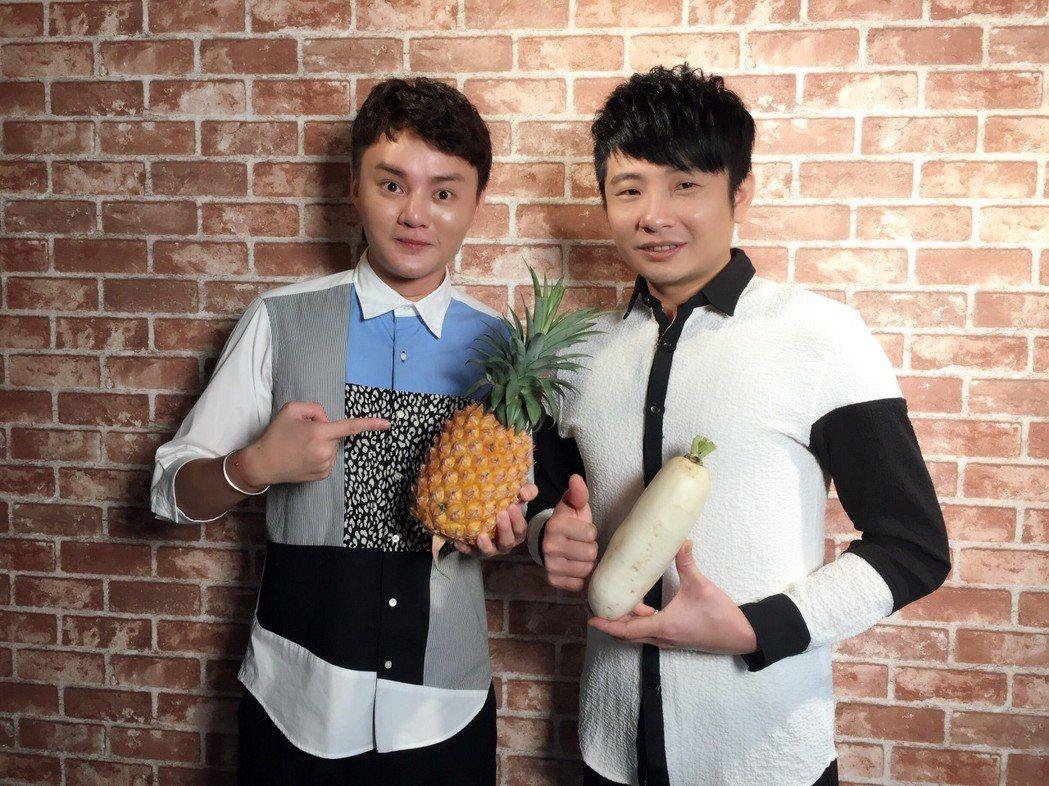 許富凱(左)和蔡佳麟同時入圍今年金曲獎。圖/民視提供