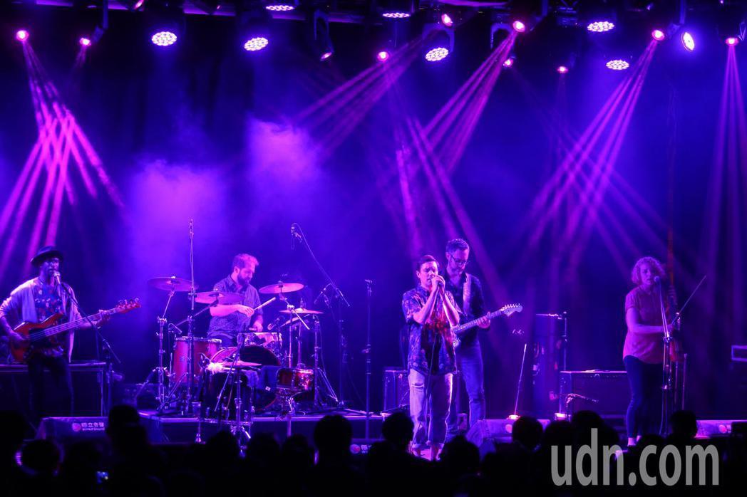 Rhye萊恩樂團今在台北開唱。記者王騰毅/攝影