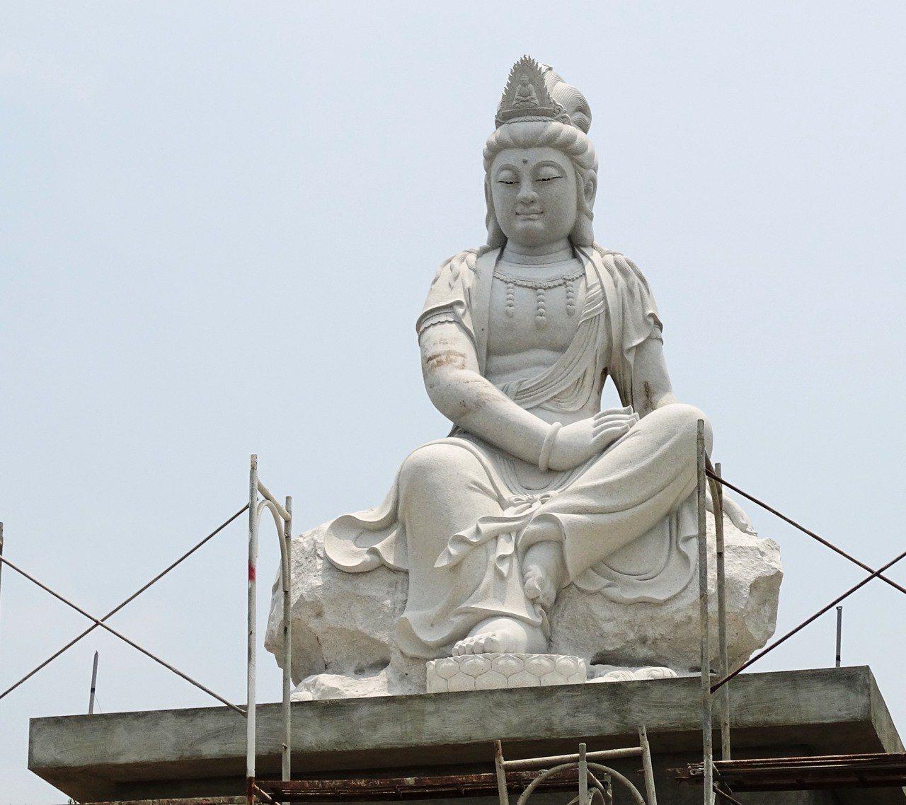 員林市前往藤山步道的員南路旁,興建5公尺高的觀世音菩薩石雕,將是林厝里新地標。 ...