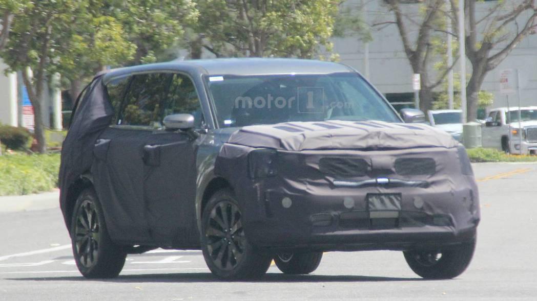 Kia Telluride 日前被拍到偽裝測試照。 摘自Motor 1