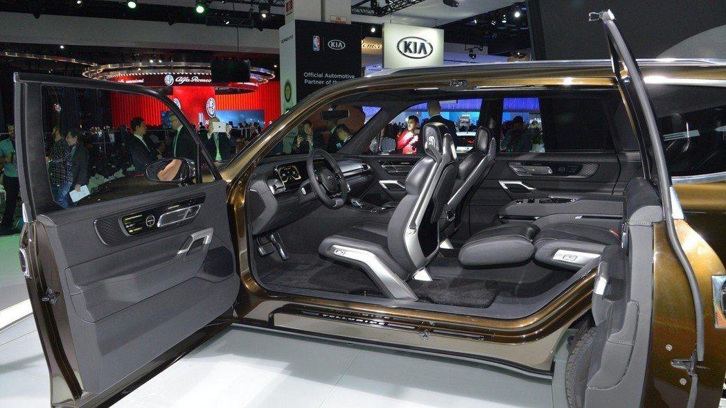Kia Telluride Concept是採對開式車門的設計。 摘自Motor...