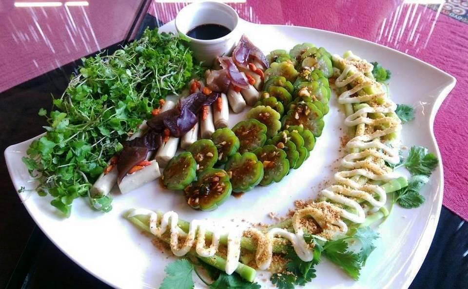 野菜煎餅。 記者董俞佳/攝影