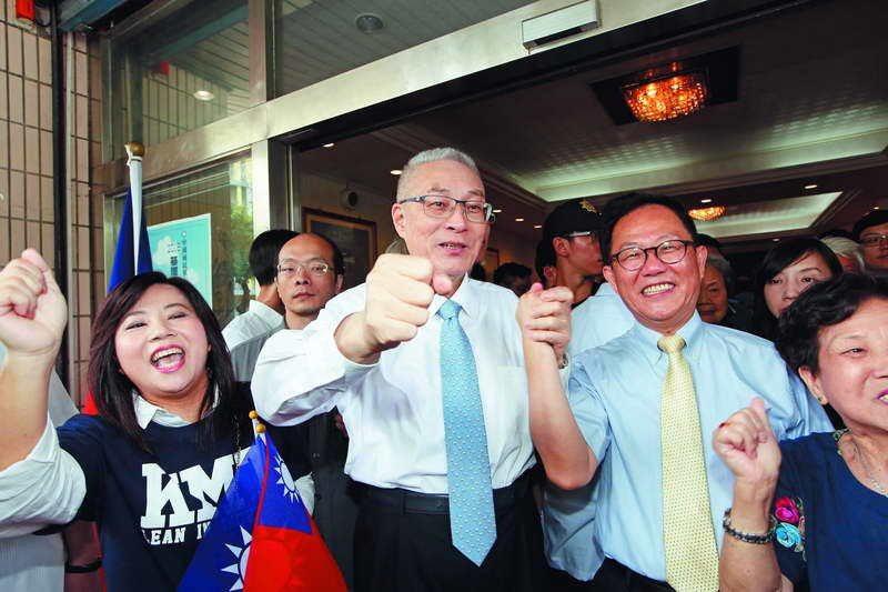 白綠分手,預期國民黨台北市長參選人丁守中(右二)勝出機率大增。 攝影/郭晉瑋