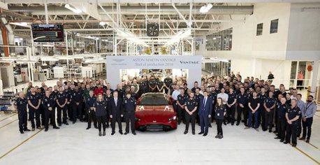 全新Vantage終於下線! Aston Martin舉行慶祝儀式