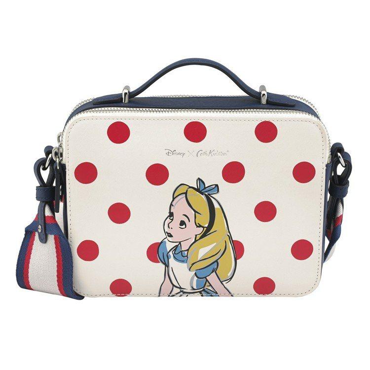 「愛麗絲夢遊仙境」系列愛麗絲圓點側背小包,6,480元。圖/Cath Kidst...