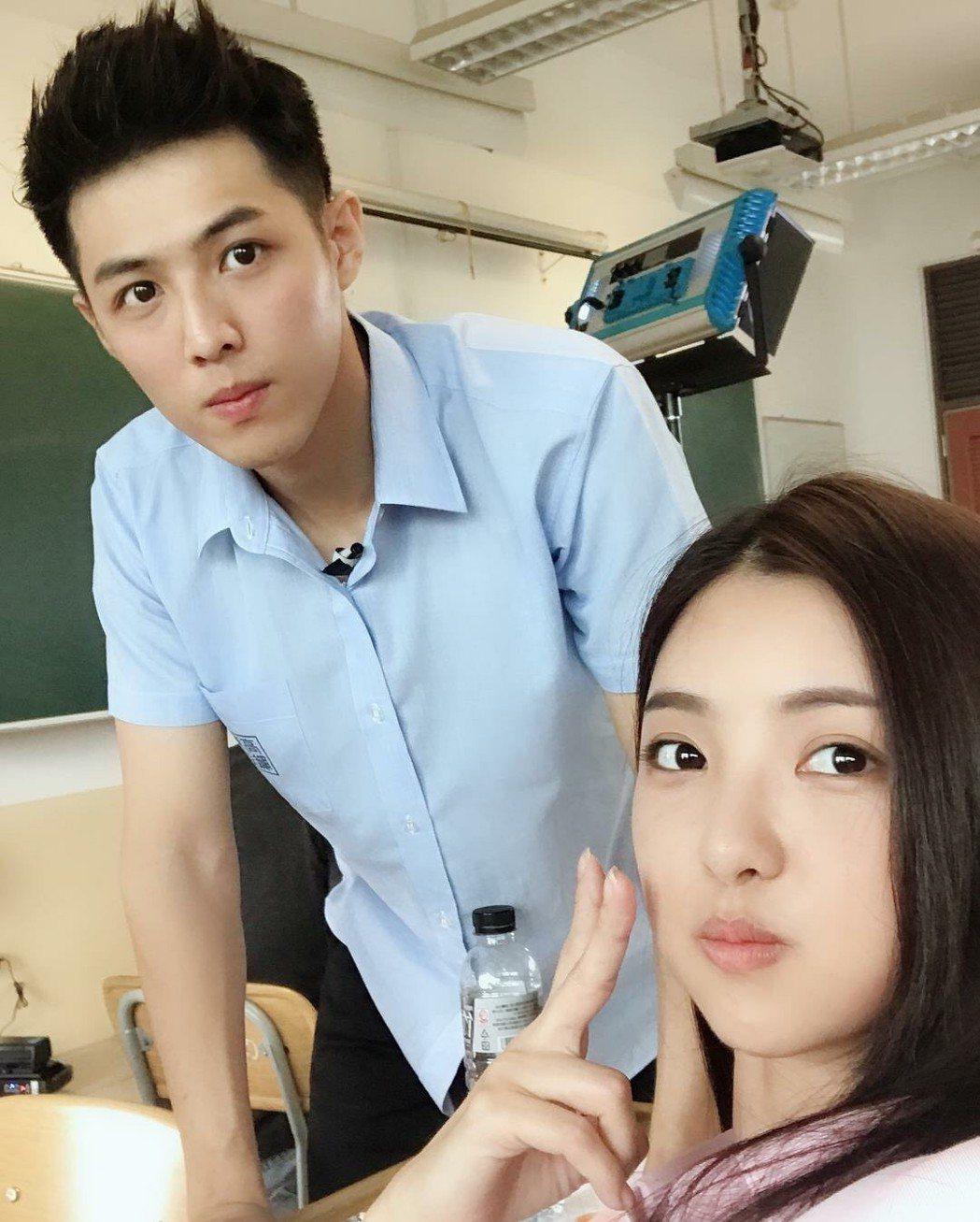 「麻辣鮮師重返校園」網劇由安于晴(左)杜季祥主演  圖/奧瑪優勢傳媒娛樂行銷提供